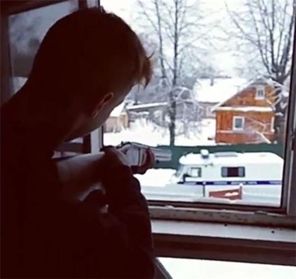 Bị gia đình phản đối, cặp đôi U16 livestream cảnh tự sát