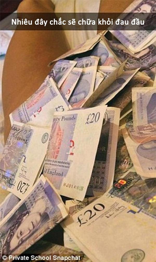 Không có gì là tiền không chữa được thì phải.