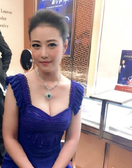 50 tuổi, mỹ nữ TVB một thời không có tiền cũng chẳng có người yêu