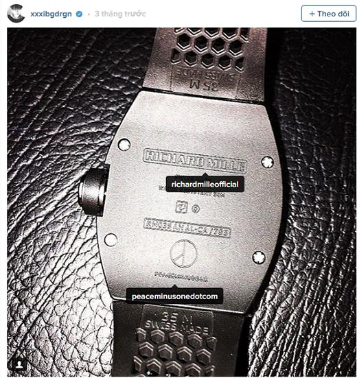 Bên cạnh việc lái chiếc xe xa xỉ, GD gần đây thu hút nhìn sự chú ý với chiếc đồng hồđắt tiền hiệuRichard Mille có cả biểu tượng cá nhân riêng trên đó.