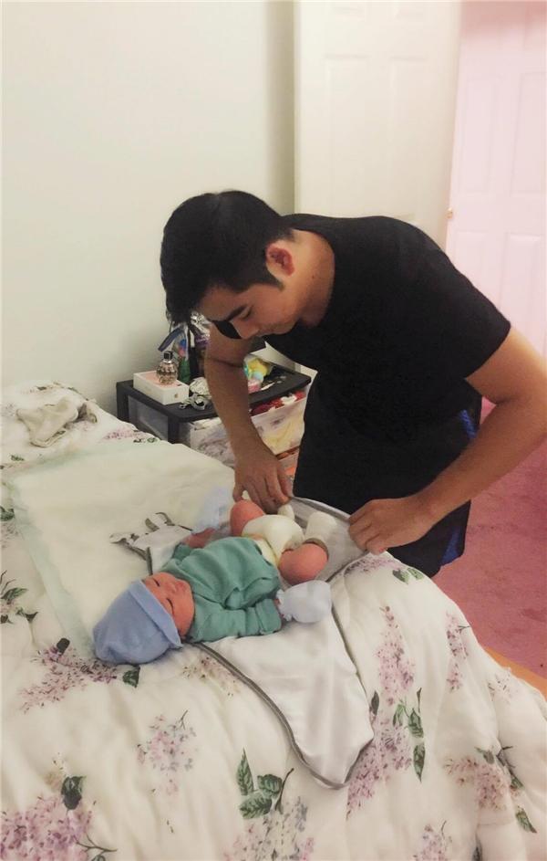 Ngắm khoảnh khắc ông xã Ngọc Lan chu đáo chăm sóc vợ con - Tin sao Viet - Tin tuc sao Viet - Scandal sao Viet - Tin tuc cua Sao - Tin cua Sao