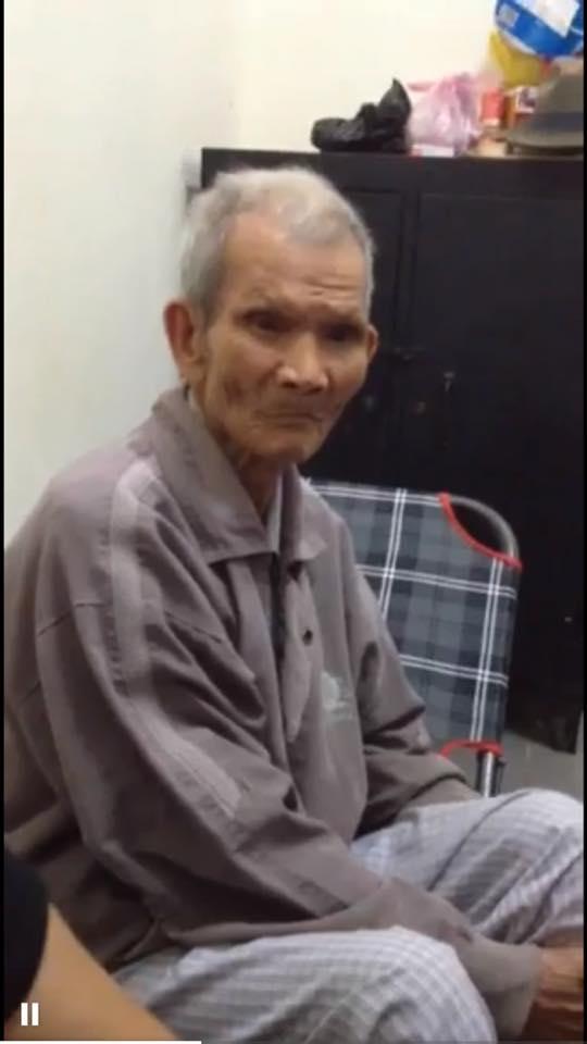 67 năm chung sống, cho đến nay, cụ ông vẫn không muốn rời xa cụ bà dù chỉ một giây. (Ảnh: NVCC)
