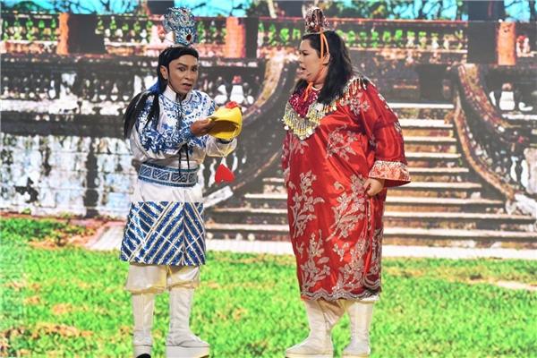 Cặp đôi Dũng Nhí – Tuyền Mập mang đến câu chuyện đầy hài hước về hậu duệ của chàng Thạch Sanh nổi tiếng trong truyện cổ tích Việt Nam. - Tin sao Viet - Tin tuc sao Viet - Scandal sao Viet - Tin tuc cua Sao - Tin cua Sao