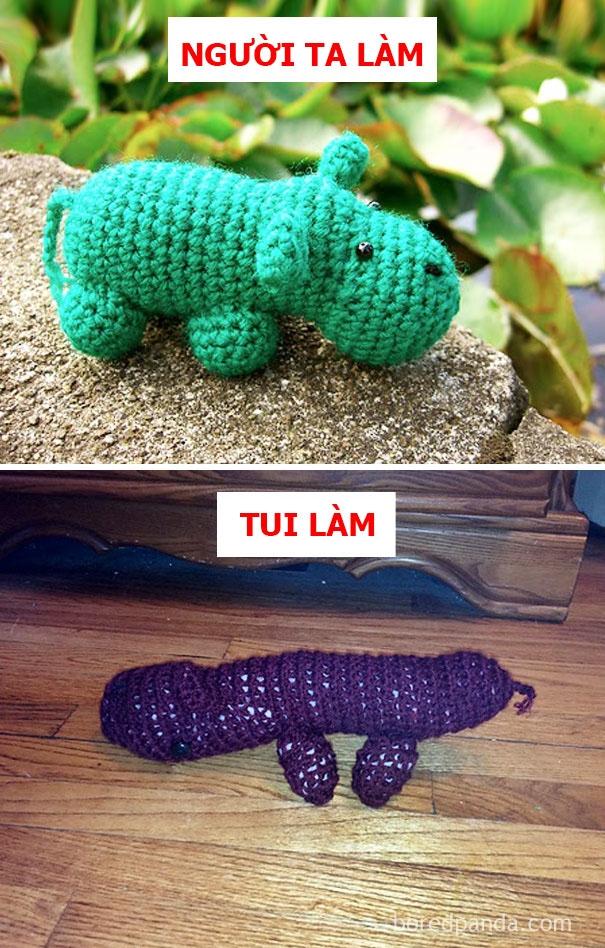 Người ta: gấu đan móc cho bé yêu. Tui: quái thú bằng len vứt cho boss ôm ngủ.