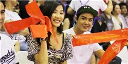 Hoàng Thùy và Quang Đại bị bắt gặp đang hẹn hò đi xem bóng rổ