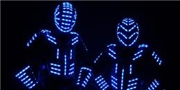 """Fan Electric háo hức đón chờ """"Robot ánh sáng"""" lần đầu tới Việt Nam"""