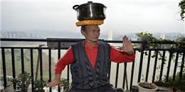 Thú vị với chiếc đầu thép thăng bằng của cụ ông 73 tuổi