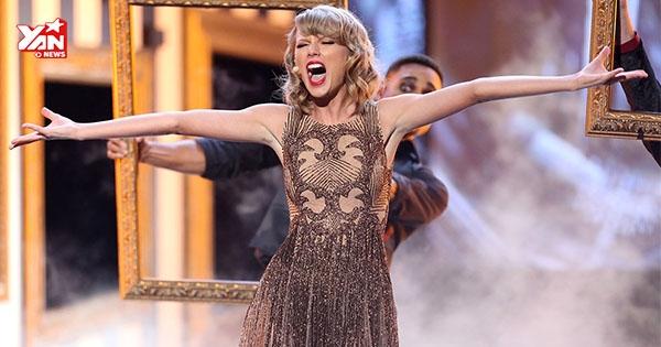 """Taylor Swift lần đầu hát live Blank Space """"bùng cháy"""" sân khấu"""