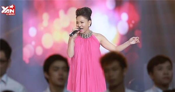 Thu Minh gây xúc động mạnh trong đêm nhạc về Wanbi Tuấn Anh