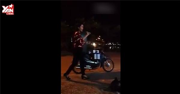 Cô gái bán kẹo kéo cover hit Hồ Quỳnh Hương hay bất ngờ