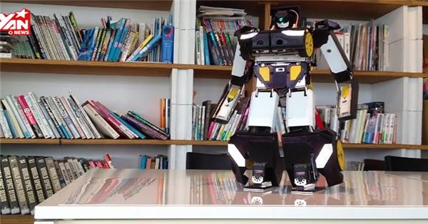 """Kinh ngạc với robot """"Transformer"""" có thật của người Nhật"""