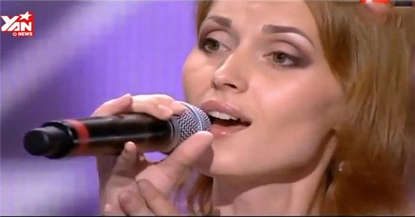 Nữ thí sinh hát hay như nhép khiến giám khảo nghi ngờ