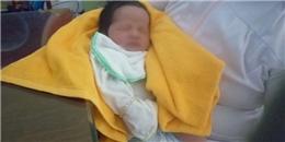 Bé trai sơ sinh 5 ngày tuổi bị bỏ rơi giữa đêm khuya