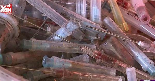 Kinh hoàng ống tiêm dính máu được tái chế thành đồ nhựa