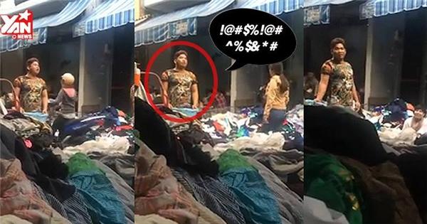 """""""Choáng"""" với màn rao hàng """"bá đạo"""" của người bán quần áo """"si-đa"""""""