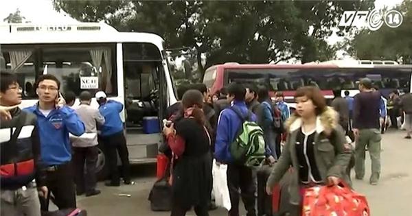 Hơn 20.000 công nhân được xe ô tô miễn phí đưa về quê đón Tết