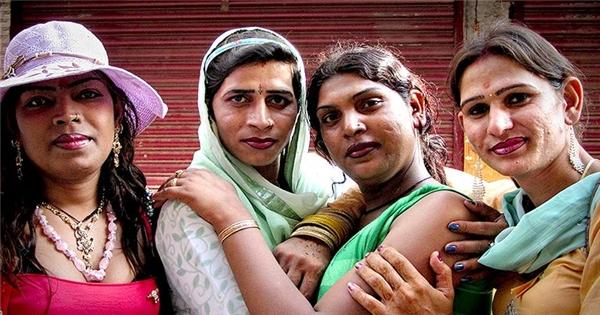 Xót xa cuộc sống của nhóm người bị cộng đồng ruồng bỏ tại Ấn Độ