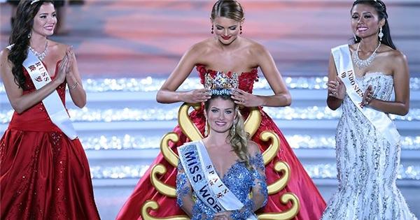 """Nhìn lại khoảnh khắc đăng quang vô cùng """"suôn sẻ"""" của Miss World 2015"""