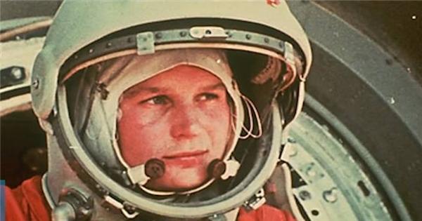 Bí mật 30 năm chôn giấu của người phụ nữ đầu tiên lên vũ trụ