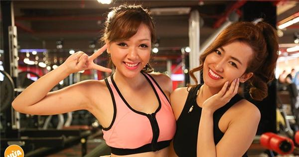 """[ VCVC] Băng Di, Trang Moon làm """"trò hề khó đỡ"""" trước ống kính"""