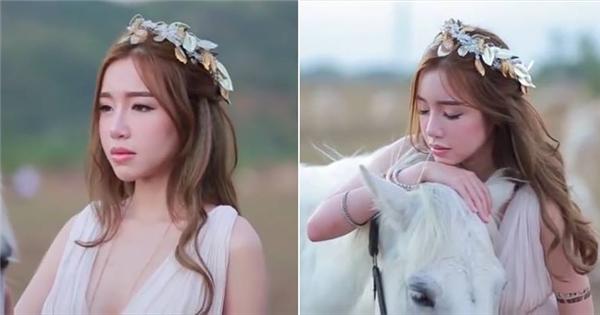 """Dân mạng ngẩn ngơ trước hình ảnh của """"nữ thần"""" Elly Trần"""