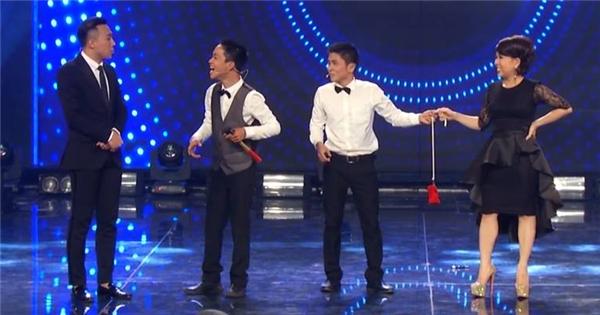 Cười rơi nước mắt với màn ảo thuật được Trấn Thành Việt Hương thích nhất