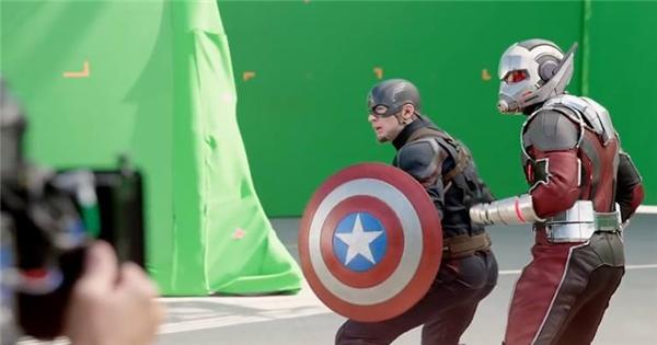 """Hé lộ những hình ảnh hậu trường cực hot của """"Civil War"""""""