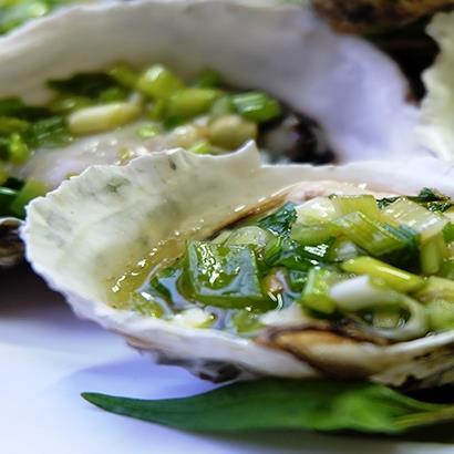 'Đã miệng' với món hàu sữa ngon ngây ngất ở Nha Trang