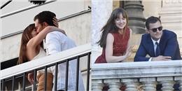 Cảnh hôn tình tứ trên ban công của cặp đôi '50 sắc thái'