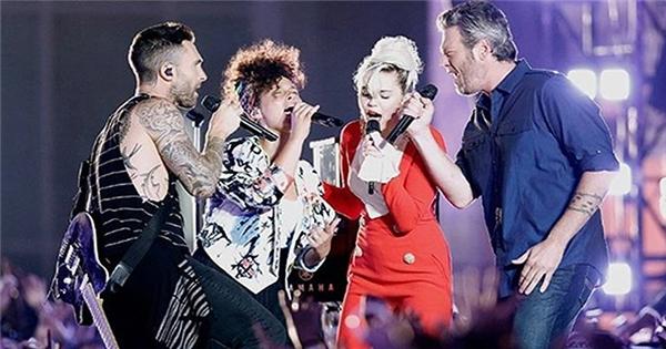 """Sân khấu bùng cháy với """"Dream On"""" của 4 HLV The Voice"""