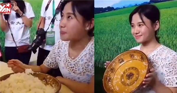 Hết hồn với hot girl ăn 4 kg cơm, phá kỉ lục thế giới