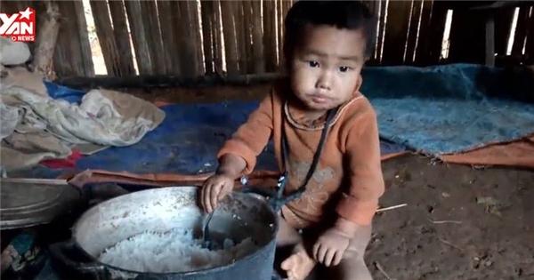 Rơi nước mắt với bữa cơm của trẻ em nghèo