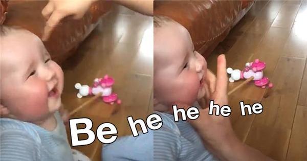 Em bé có giọng cười như dê kêu khiến dân tình