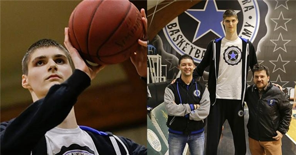 Choáng với cầu thủ bóng rổ 15 tuổi đã cao 2m30