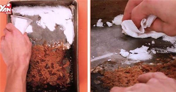 Dễ dàng loại bỏ thực phẩm bị cháy dính với mẹo nhỏ này