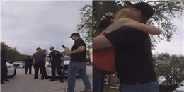 Khiến người yêu chết khiếp với màn cầu hôn 'nhờ' đến cảnh sát