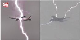 Kinh hoàng máy bay Boeing 747 bị sét đánh trúng giữa trời